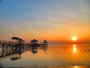 Sunrise di Pantai Kenjeran