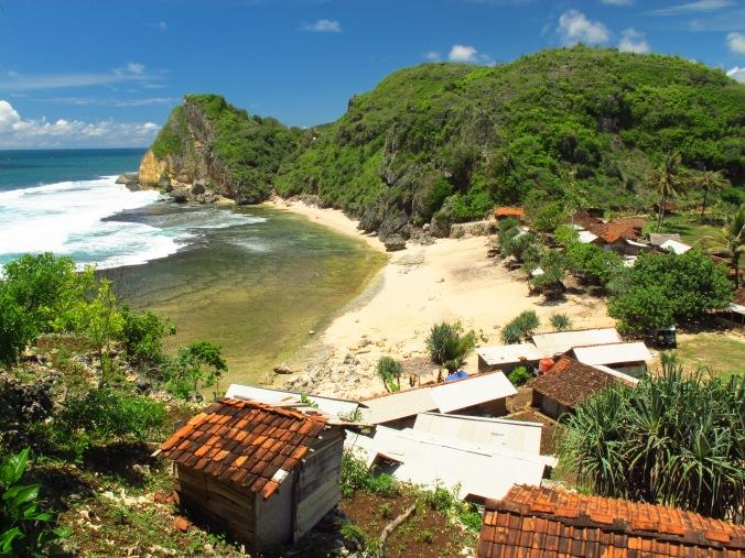 Pemandangan pantai Nguyahan
