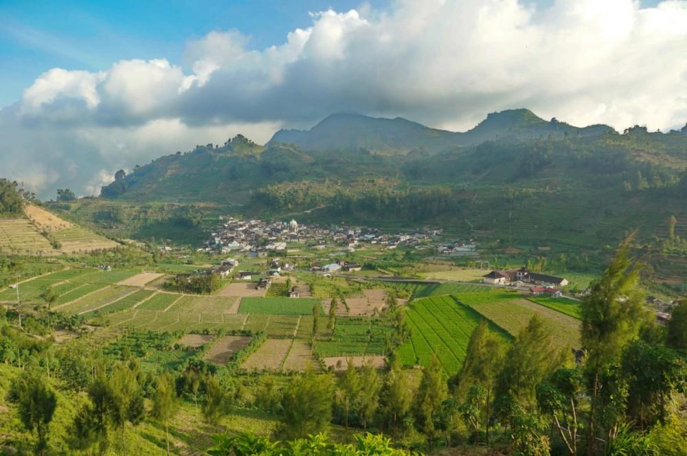 Desa Patak Banteng dari kejahuan